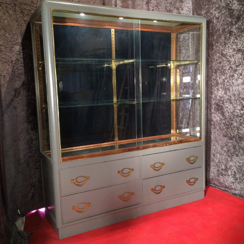 ancienne vitrine de magasin les derni res trouvailles guy laurent setruk antiquit s. Black Bedroom Furniture Sets. Home Design Ideas
