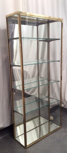 ancienne vitrine de magasin verticale r serv dm vitrines anciennes guy laurent setruk. Black Bedroom Furniture Sets. Home Design Ideas