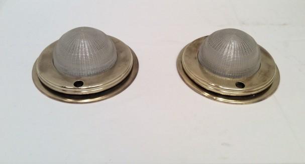 Paire de lampes de coursive.