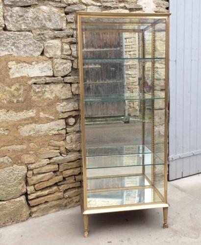 Ancienne vitrine de magasin (réservée D.T)