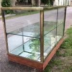 Ancien comptoir  vitrine de magasin