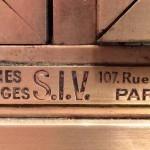 Vitrine ancienne de magasin.